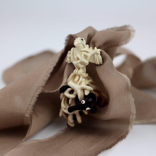 Išskirtinis kaklo papuošalas-pakabukas